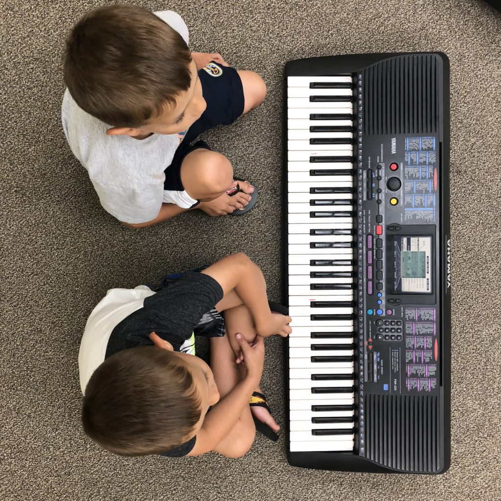 Pre-Lesson Class - Piano Play!